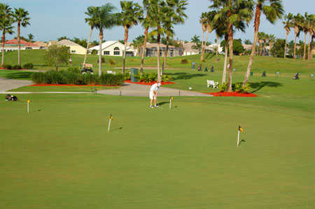 A view of the putting green at Winston Trails Golf Club