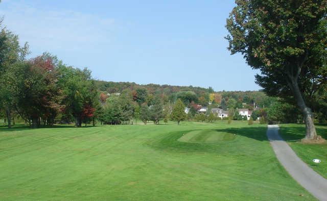 A view of a tee at Club de Golf Sherbrooke