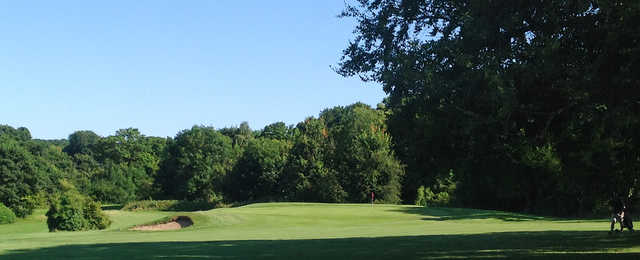 View of a green at Oaks Sports Centre Golf Club
