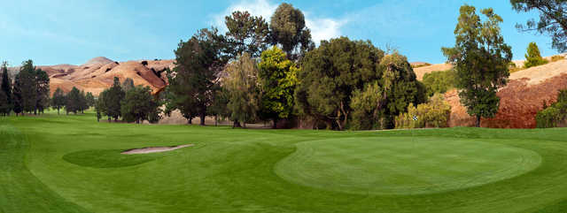View of the 13th green at Franklin Canyon Golf Course