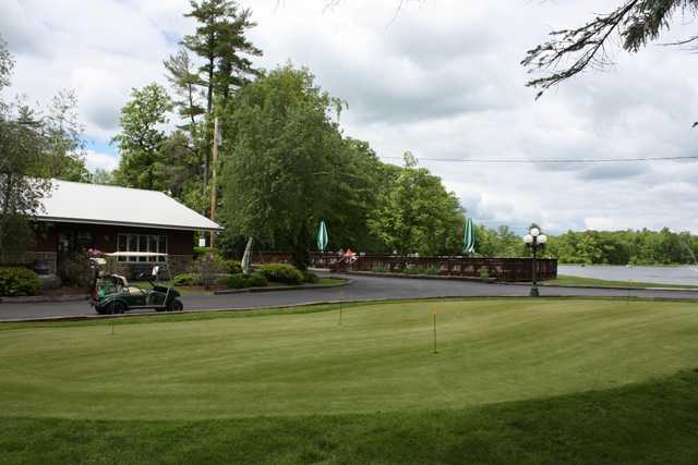 View of the putting green at Sunny Hill Resort & Golf Course