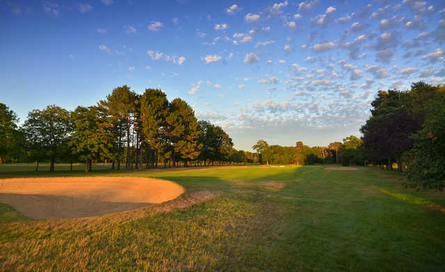 View of the 1st hole at Ashford Manor Golf Club
