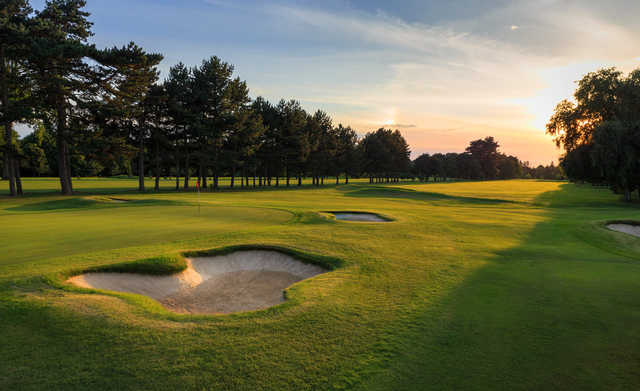 View of the 9th green at Ashford Manor Golf Club