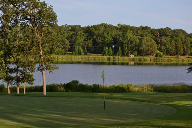 A view of the 18th green at Garden Valley Golf Resort - Dogwood Course