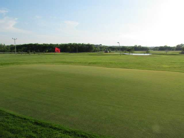 A view of a green at Benbrook 3 Par.