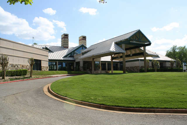 A view of the clubhouse at Garden Valley Golf Resort