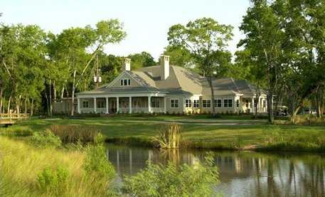 A view of the clubhouse at Sienna Plantation Golf Club