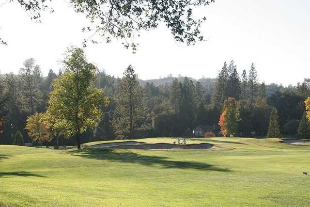 A view of the 6th hole at Lake Wildwood Golf Course (Herb Lindberg).