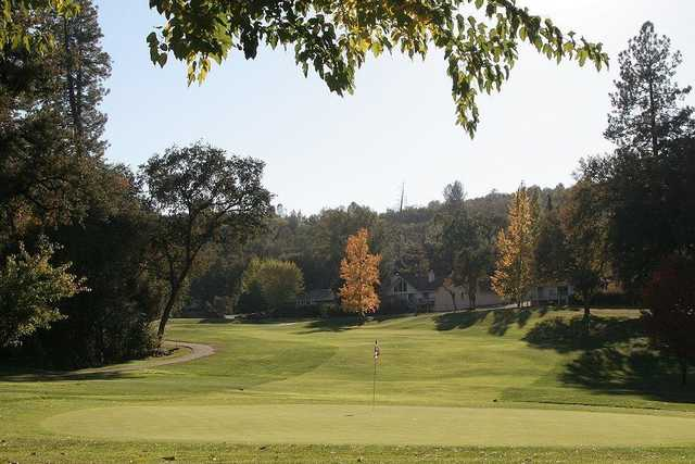 A view of green #2 at Lake Wildwood Golf Course (Herb Lindberg).
