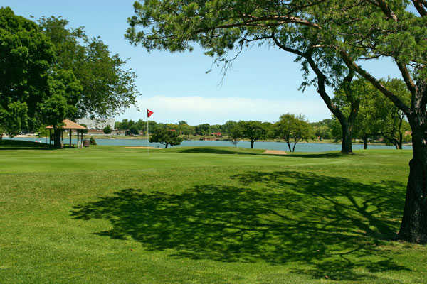 View of the 8th hole at Lake Park Golf Course
