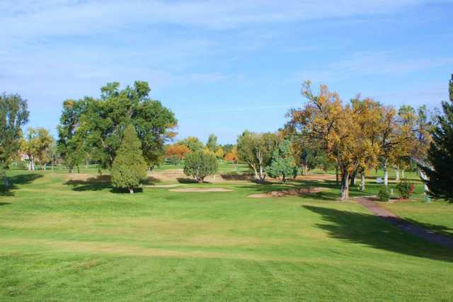 A fall day view of a hole at Pueblo Country Club.
