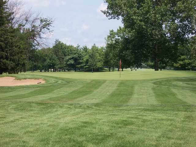 A view of a green from Orange at University of Illinois Golf Course.