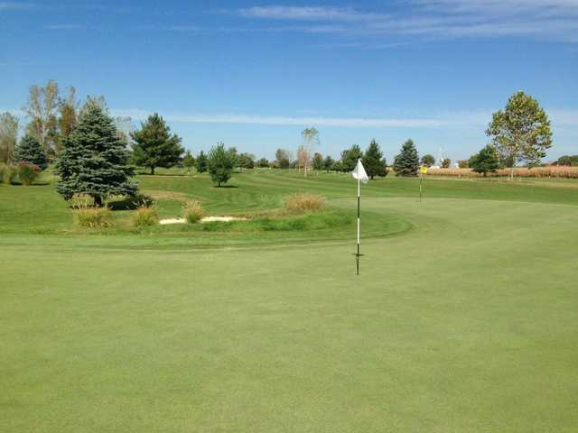 A view of a green at Raccoon Run Golf Course.