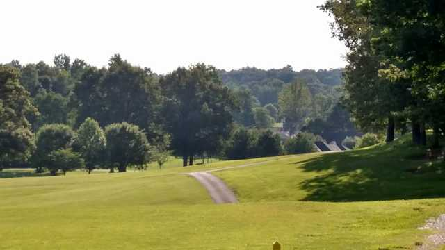 A sunny day view from Benton Golf & Country Club.