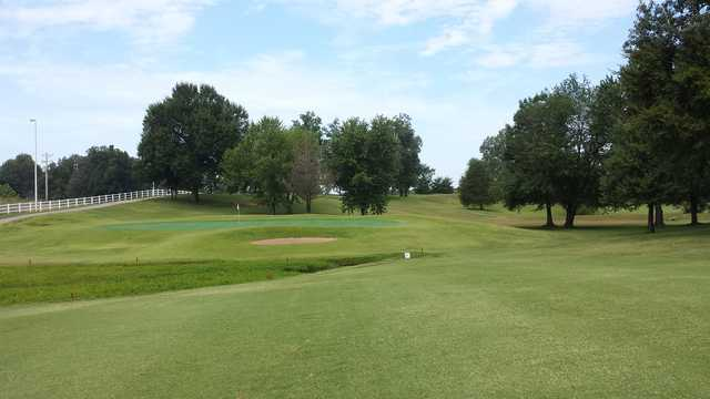 A view of a green at Ozark Ridge Golf Course (Lloyd King).