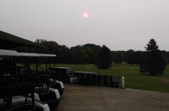 An evening view from Stone Crossing Golf Club (James Ulrich).
