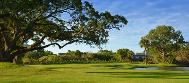 A view of hole #1 from The Plantation Course at Edisto (Robbie Wooten - Impact Golf Marketing & David Vaughan).