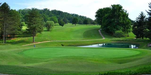 A view of hole #1 at Elizabethton Golf Course.