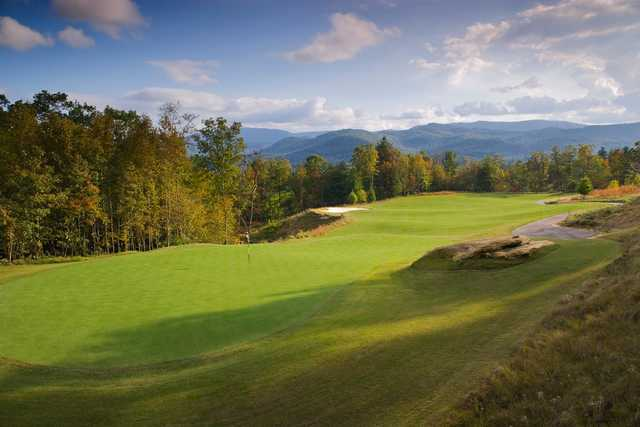 A view of green #15 at Cummings Cove Golf & Country Club.