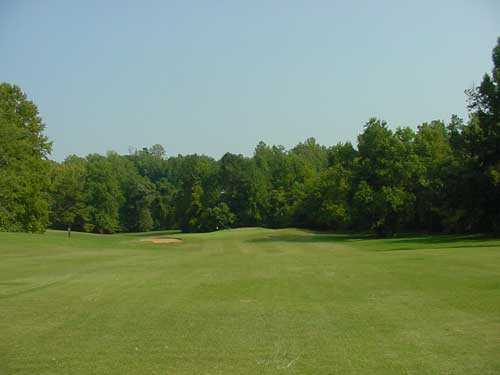 A view of the 18th green at King's Mountain Country Club