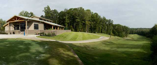 A view of the clubhouse and tee #1 at North Ridge from The Ridges at Village Creek