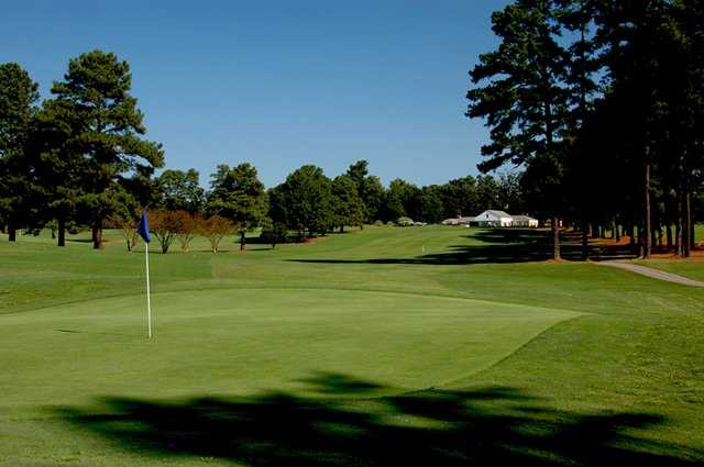 A view of the 1st green at Raleigh Golf Association