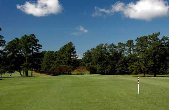 A view of the 1st hole at Raleigh Golf Association - Stockholders Course