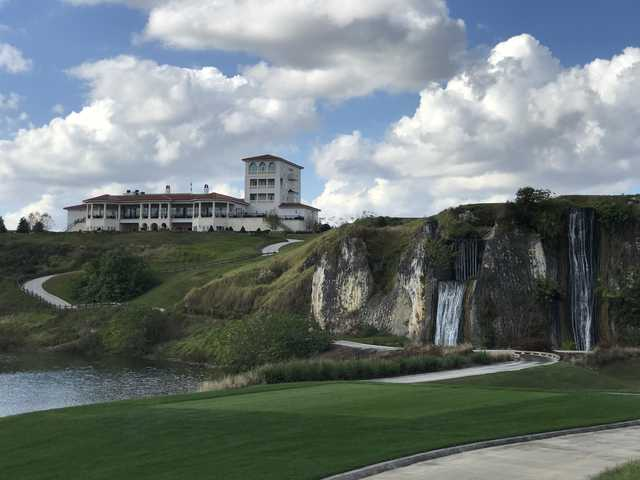 The clubhouse at Adena Golf & Country Club (Mike Lowe)