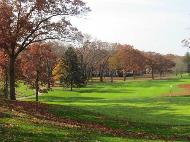 A fall day view of a hole at Long Beach Country Club.