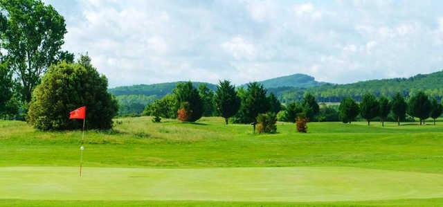 A view of hole #2at Etangs de Fiac Golf Club.