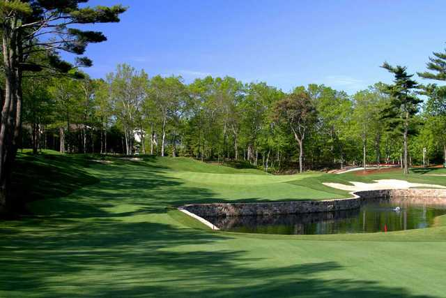 A view of the 5th green at Ridge Club.
