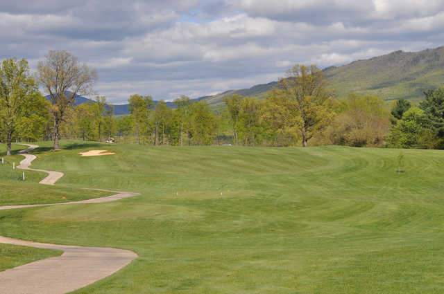A view of a tee at Lakeview Golf Club.