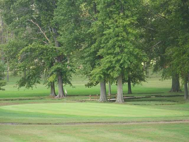 A view of green at New Salisbury Golf Course