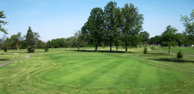 View of a green at Loudon Meadows Golf Club