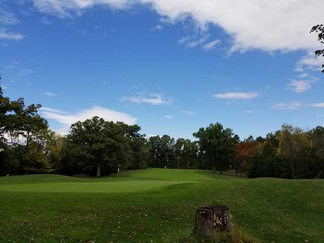 A fall day view of a hole at Heritage Oaks Golf Course.
