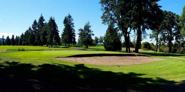 A view of a well protected hole at Sunset Grove Golf.