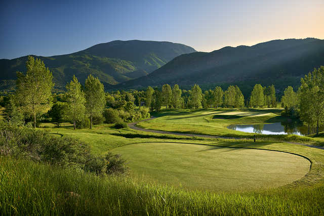 A view of a tee at Roaring Fork Club.