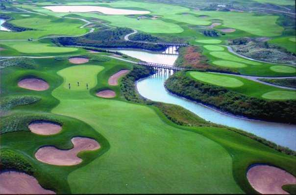 Aerial view of the 8th hole at Prairie Landing
