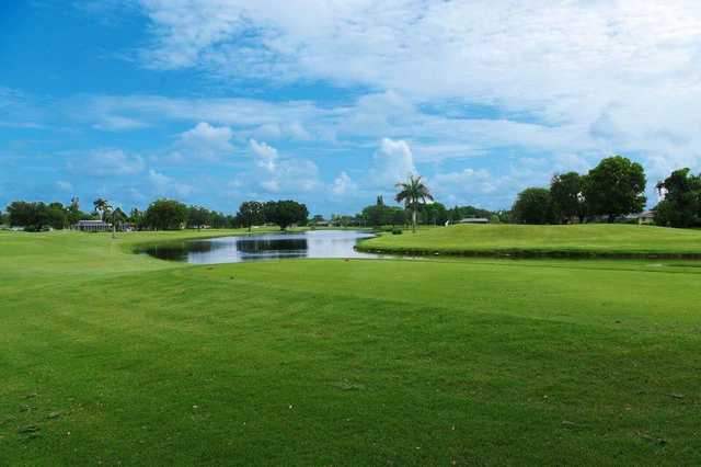 A view of a tee at Lakewood Country Club of Naples.