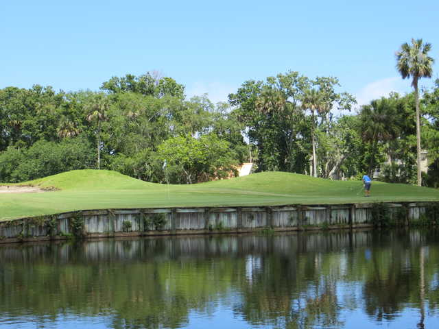 The Oak Bridge Club: 4th green