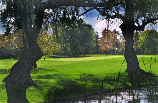 A view of a green at Oak Brook Golf Club.