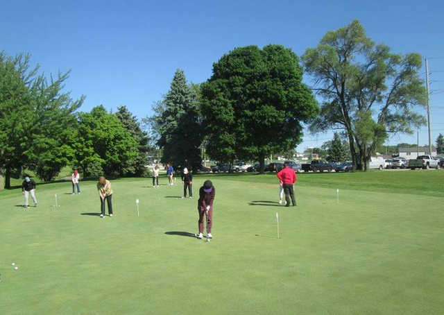 A view of the practice putting green at Veteran's Memorial Golf Course