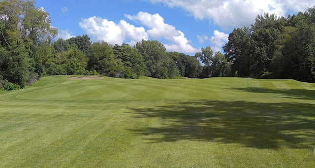 A sunny day view from Creekside Golf Course.