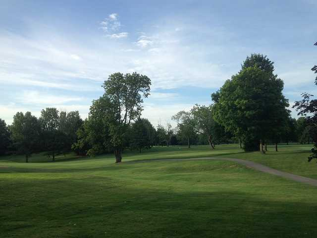 A morning day view of a green at Hillcrest Country Club.