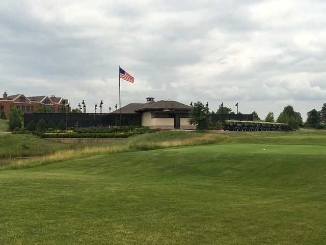 A view of a tee at Glenview Prairie Club.