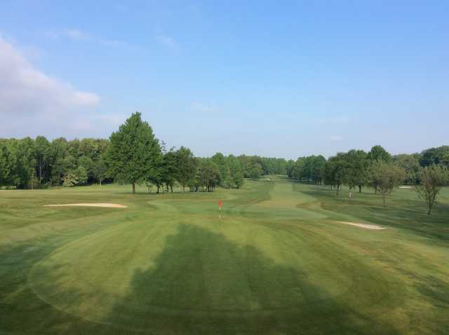 View of the 18th green at Cowglen Golf Club