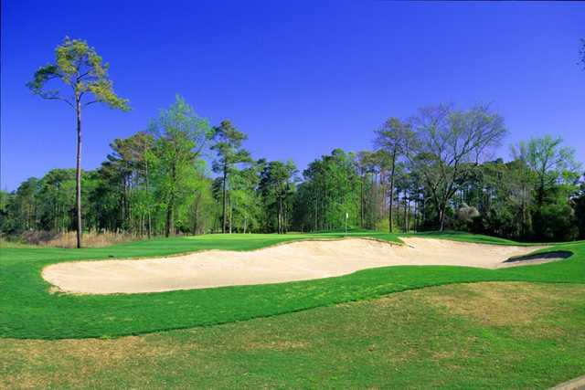 Waterway Hills Golf Club: Oaks No. 2 has a bunker that's bound to play with your mind.