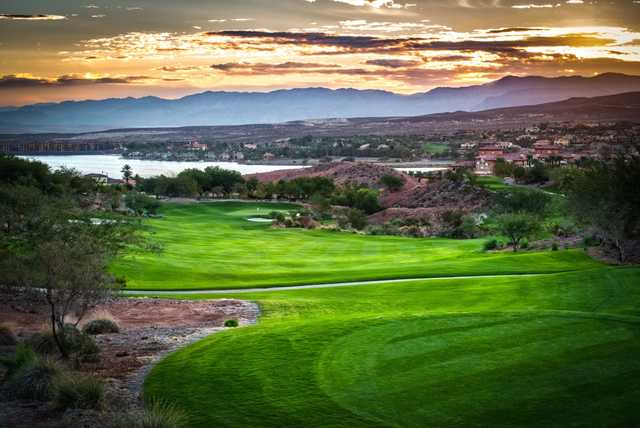 A splendid sunset view from Reflection Bay Golf Club.