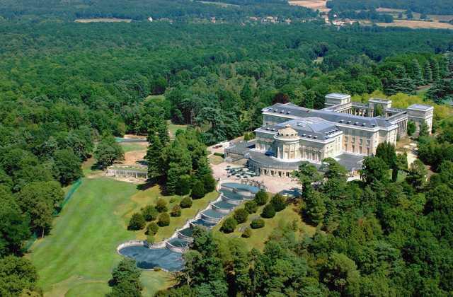 A view from Golf Château de Rochefort