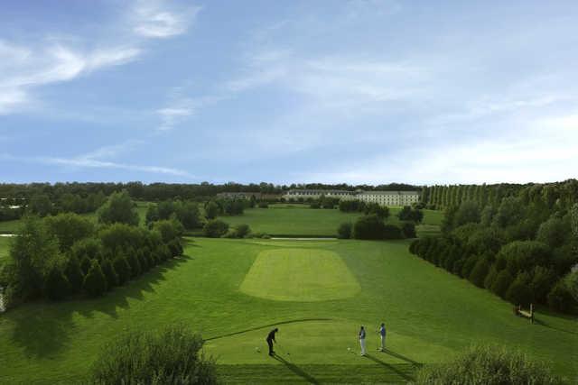 View from the 9th tee at Garden Golf de Chantilly